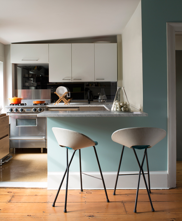 14b-kitchen-palladianbluehc144-corinthianbluehc138.jpg