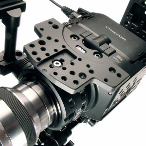 Shown attached to the FS100 without handle.