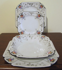 Rare Shelley Peaches and Grapes Queen Anne 4 person dinner set