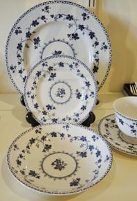 Vintage Royal Doulton Yorktown Blue Fluted Dinner set for 6 people