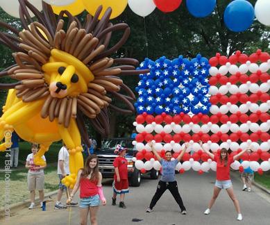 parade-lionflag.jpg
