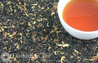 Loose leaf Peach Strudel tea and infused liquor.