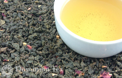 Summer Oolong Tea Dry Leaf and Liquor