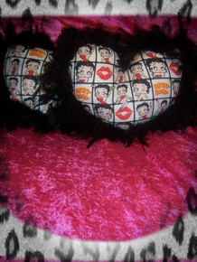 2- Piece Betty Boop Heart Pillow Set