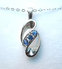 Montana Yogo Sapphire 3 Stone Swirl Pendant
