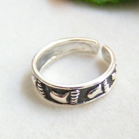 Footprints in the Sand Sterling Silver Adjustable Toe Ring