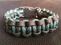 Hunter Green with Black Edge Paracord Bracelet