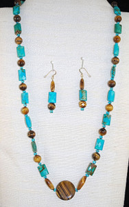 "Full view of 28"" necklace set."