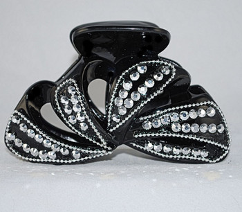 Front view of clip w/clear crystals