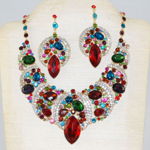 Beautiful genuine crystal necklace set