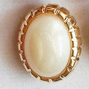 Classy Pearl & Gold Ovular Button – Shank Button