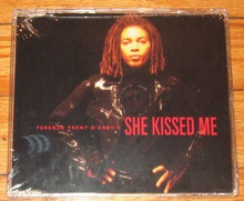 D'ARBY, TERENCE TRENT - She Kissed Me