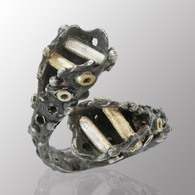 18K yellow gold, silver and blackened silver open ring.