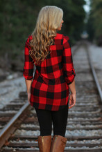 Backroad Plaid Top: Black/Red