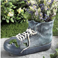 "CRL386S – Polyresin jean shoe planter  10""x4""x6""H(min1,8/crtn) (5% off on case size)"