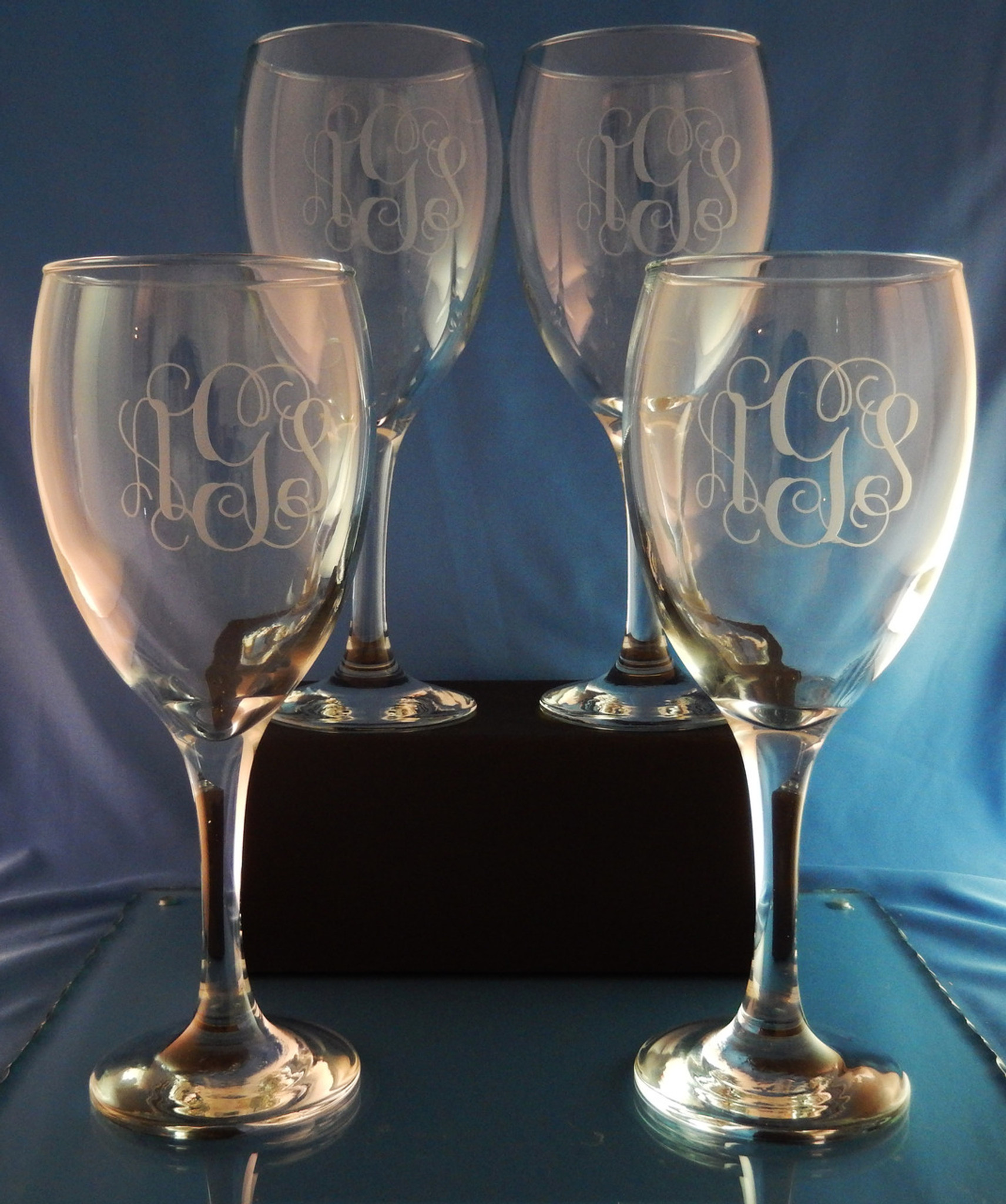 Personalized robusto crystal wine glasses set of 4 the Big w wine glasses