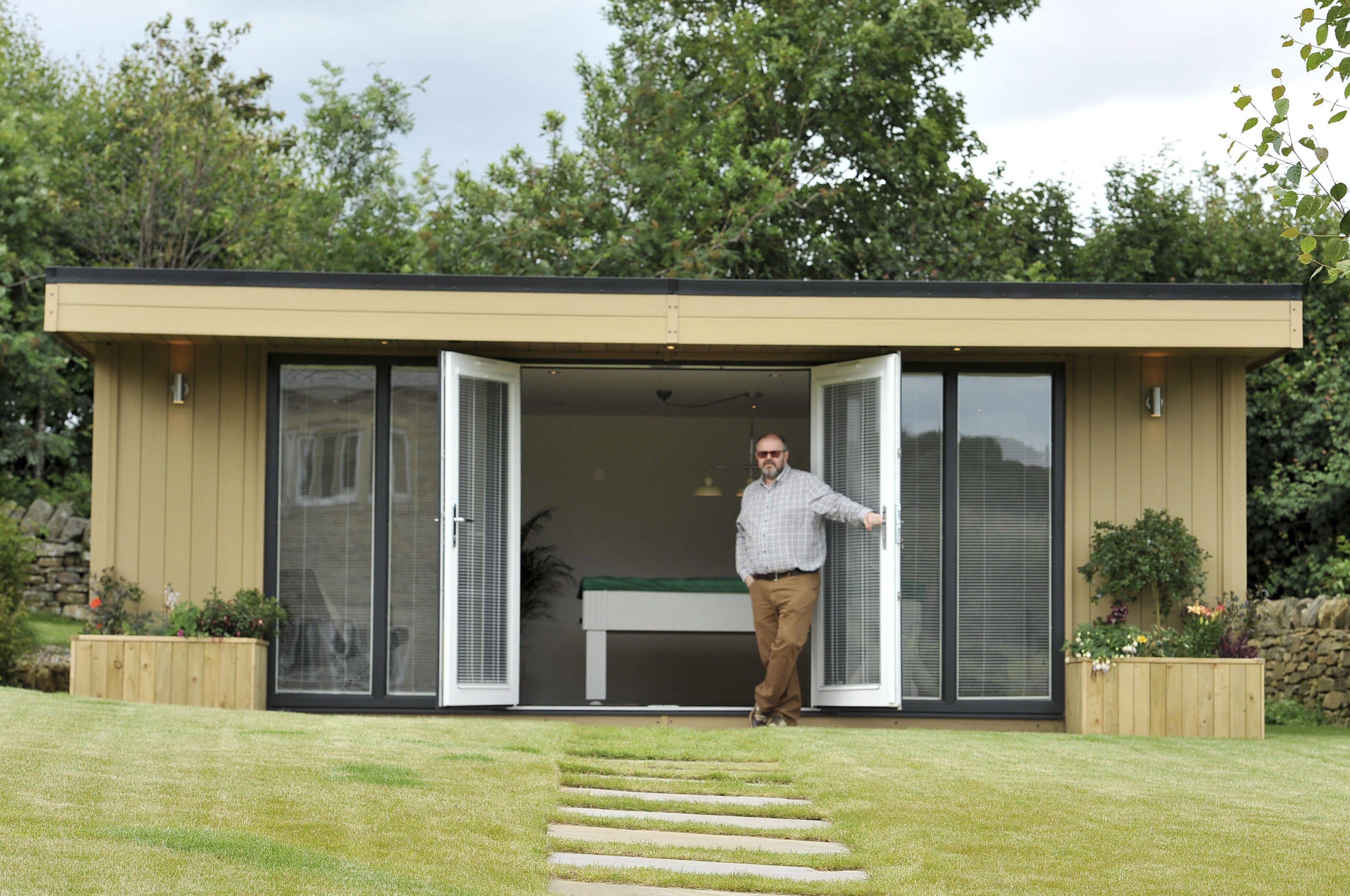 Planning and building regulations for garden rooms and offices for Garden construction
