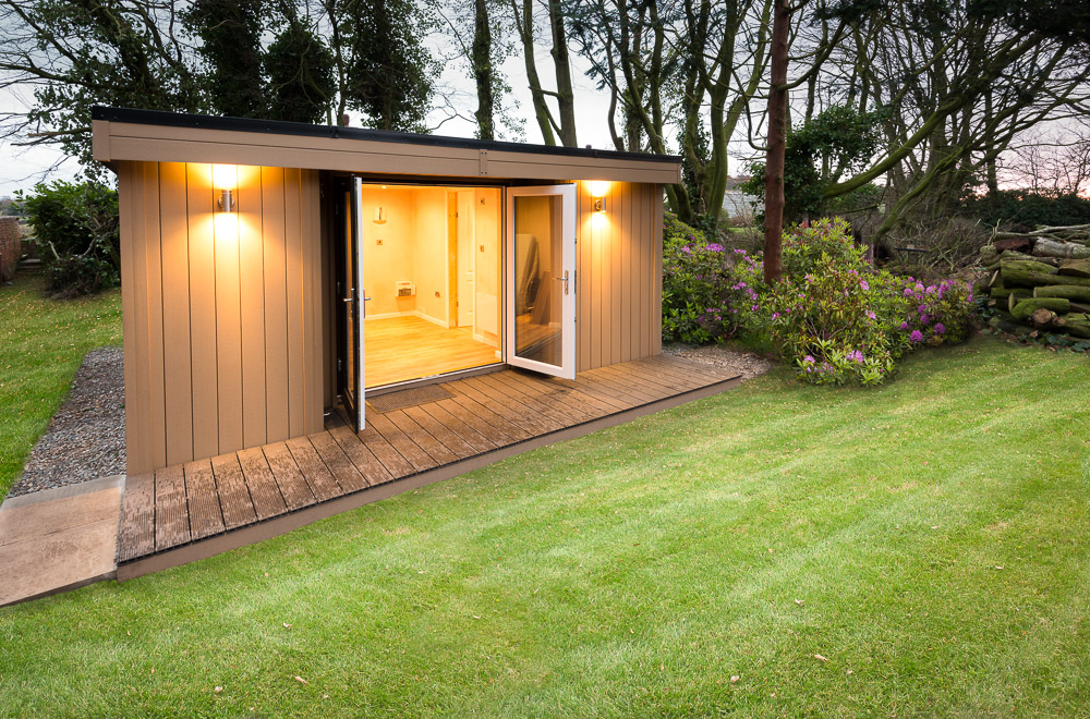 Garden Room with toilet in Frodsham, near Chester, Cheshire