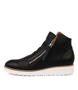 OHMY Sneakers in Black Leather