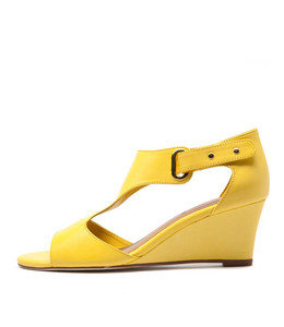 UNICO Wedge Sandals in Yellow Leather