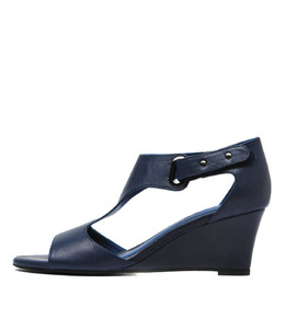 UNICO Wedge Sandals in Navy Leather