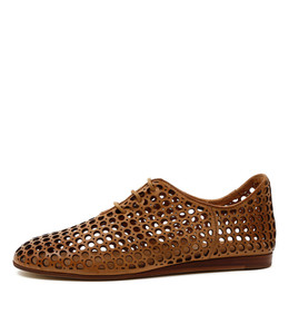 GRASS Lace-up Flats in Tan Leather