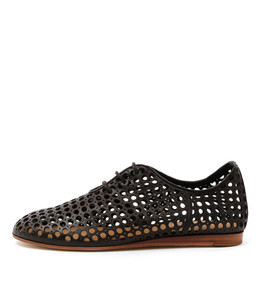 GRASS Lace-up Flats in Black Leather