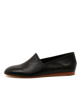 GETTY Flat Slip-on's on Black Leather