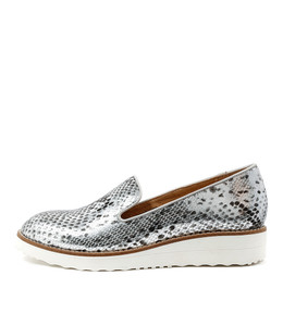 OLUS Flatform Loafers in Grey Silver Snake Cut Leather