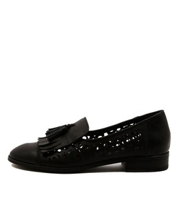 CASCADE Flat Loafers in Black Leather