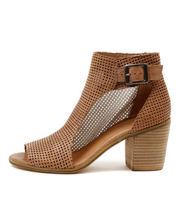 GUMBO Heeled Booties in Nude Leather