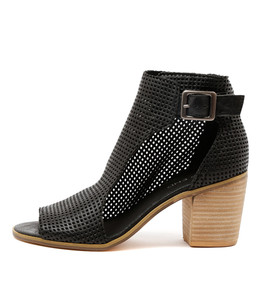 GUMBO Heeled Booties in Black Leather