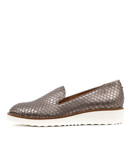 OLUS Flatforms in Pewter Cut Leather