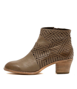 ICANT Ankle Boots in Khaki Leather