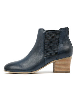 BEAUTY Ankle Boots in Navy Leather