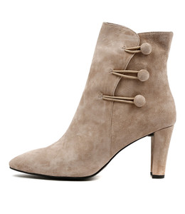 DELANS Heeled Boots in Taupe Suede