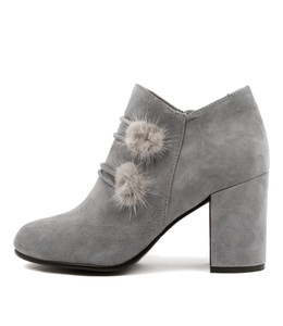 WEST Ankle Boots in Grey Suede