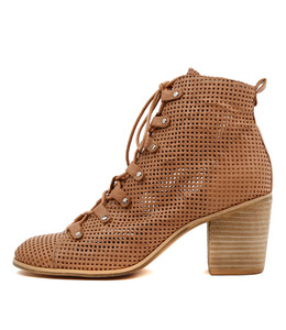 KARAZ Ankle Boots in Camel Punched Leather