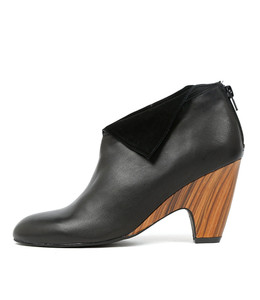 CALEDONIA Ankle Boots in Black Leather