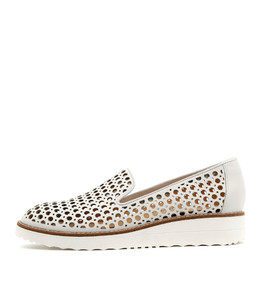 OSTA Flatforms in White Leather