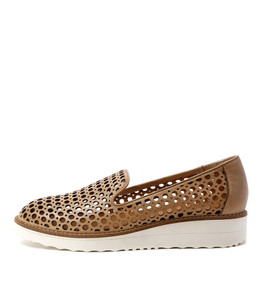 OSTA Flatforms in Nude Leather