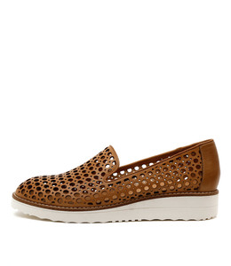 OSTA Flatforms in Tan Leather
