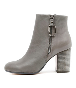 WARDA Heeled Boots in Charcoal Leather