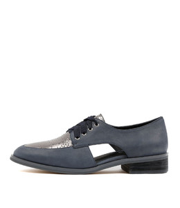 YOLA Lace-up Brogues in Navy/ Metallic Leather