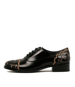 CABRINI Lace-up Brogues in Black Shine Leather