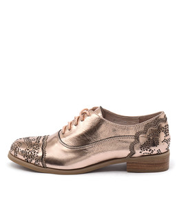 CABRINI Lace-up Flats in Rose Gold/ Pink Shine Leather
