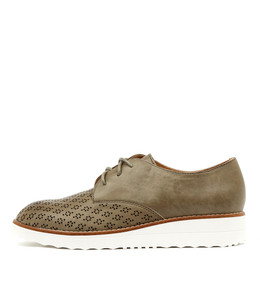 ORIGIN Lace-up Flatforms in Khaki Leather