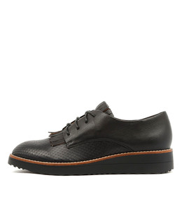 OVAL Lace-up Flatforms in Black Leather