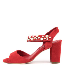 ACHIEVE Heeled Sandals in Red Suede
