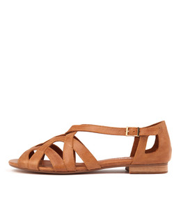 PERFORM Sandals in Dark Tan Leather